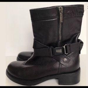 6f9fa4329d91 Aquatalia Shoes - LIKE NEW Aquatalia Sami Moto Waterproof Boots 5.5